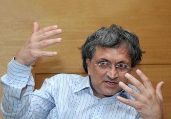 U R Ananthamurthy is a lifelong anti-Congressman: Ram Guha