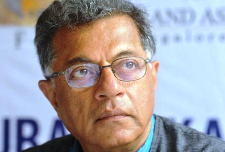 Girish Karnad gets a dose of his own medicine