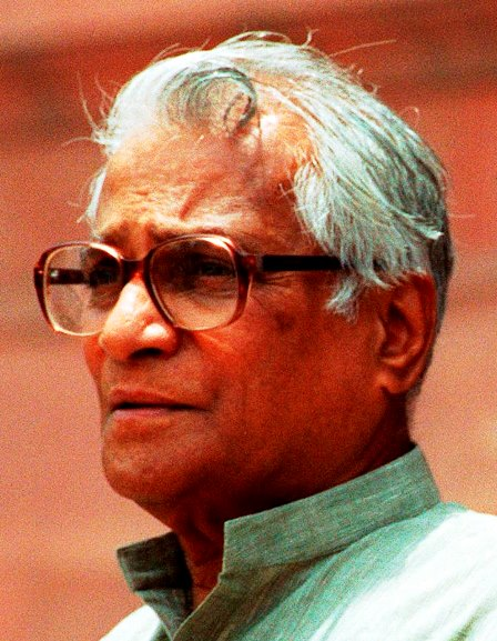 George Fernandes takes down Sonia's portrait