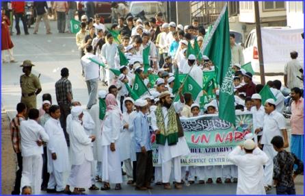 Muslim goons on a rampage against Hindus in Ullal