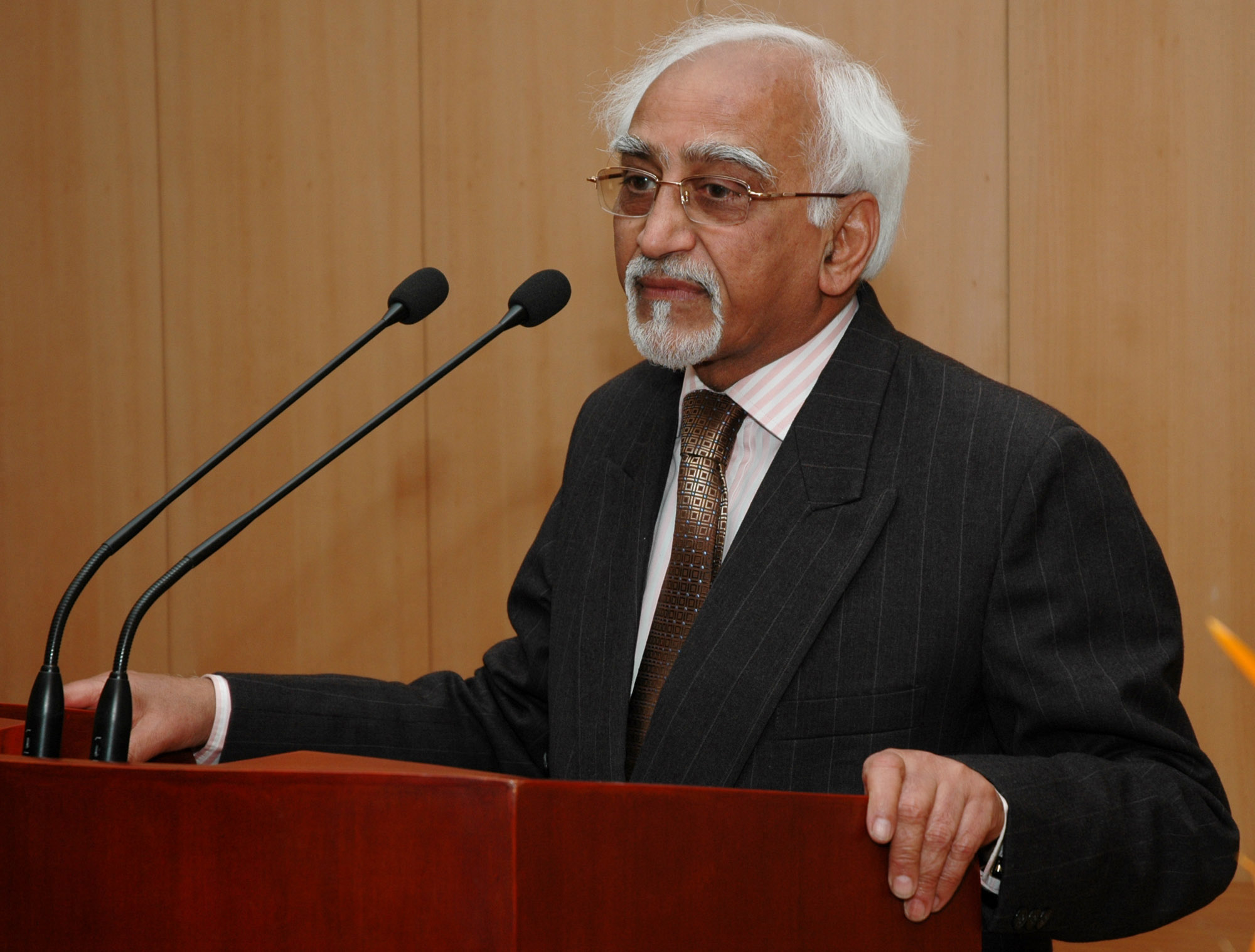Hamid Ansari and Rafiq Zakaria: A Study in Contrasts
