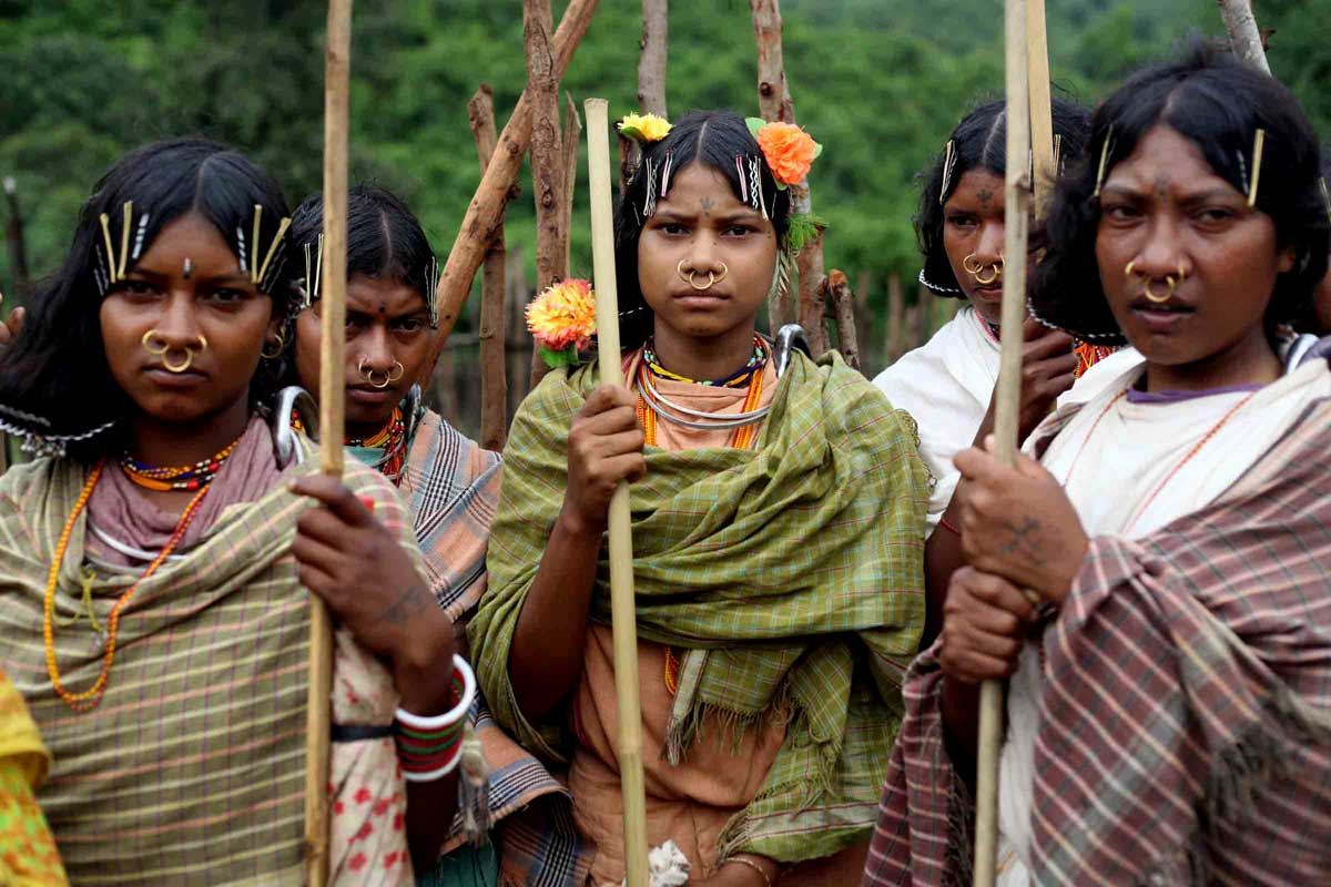 Why are the tribal regions of Central India being Rapidly Christianized?