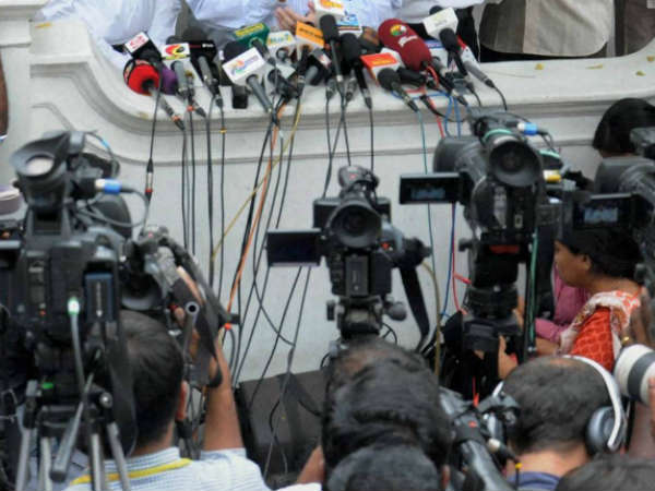 क्या मीडिया हिन्दू विरोधी है : मीडिया की निष्पक्षता का अवलोकन |