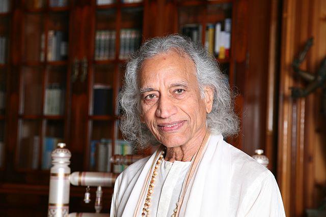 Interview with Yogi Amrit Desai- I: Hatha Yoga is integrated into Ashtanga Yoga