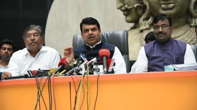 Maharashtra Loan Waiver: Bureaucratic Confusion & Corruption
