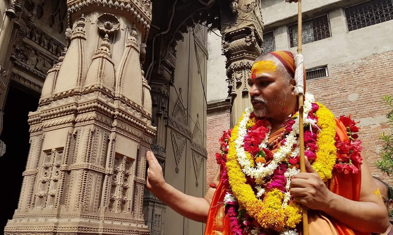 Hindus should protect temples from demolition, reclaim back from Govt control: Swami Avimukteshwarananda