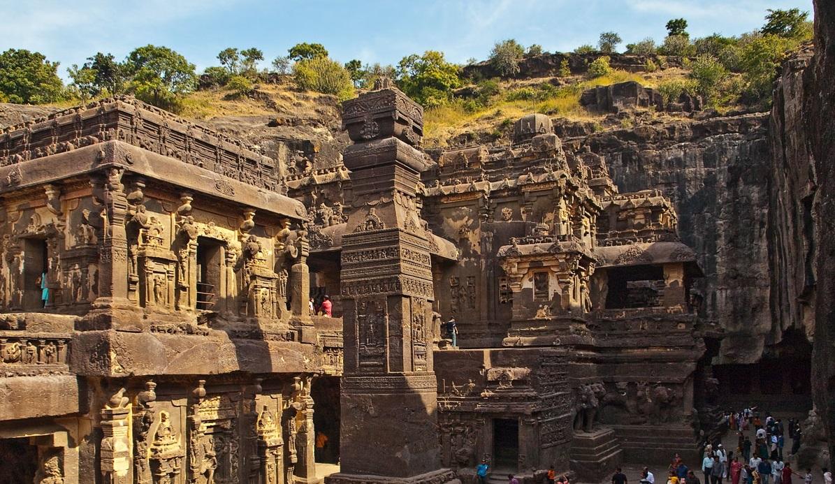 Can Veda-Shakha-Pravachana Rescue Bharata Itihasa?